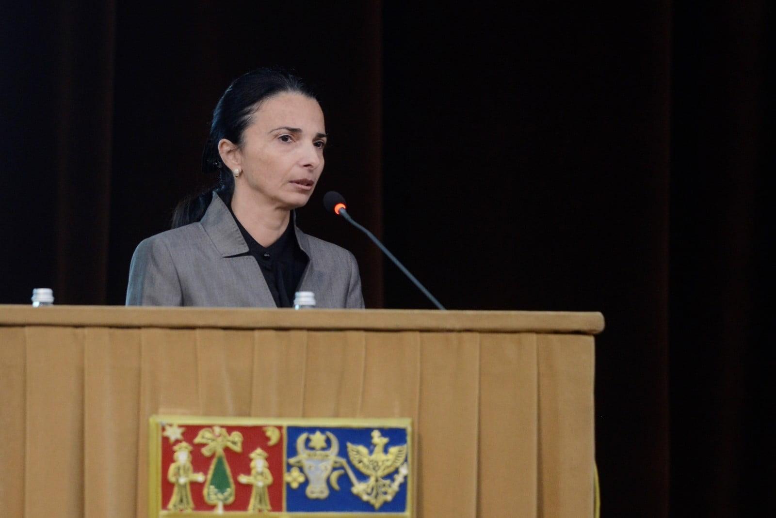 Nela Petrișor